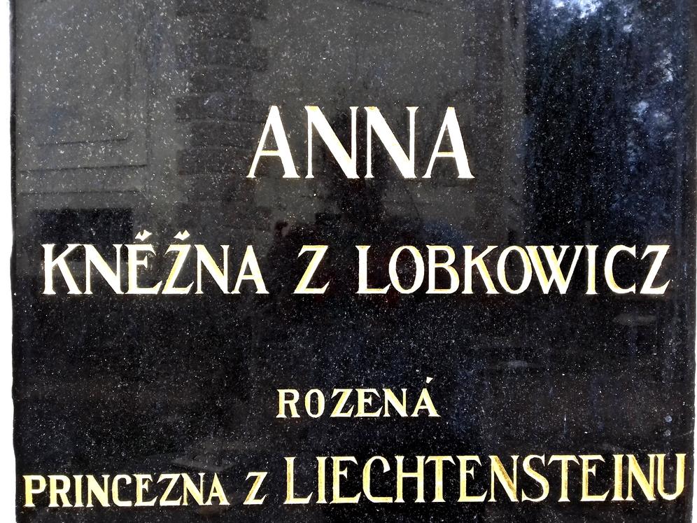 The-Tomb-of-Lobkowicz-family-Czechia-Gilding-01.jpg