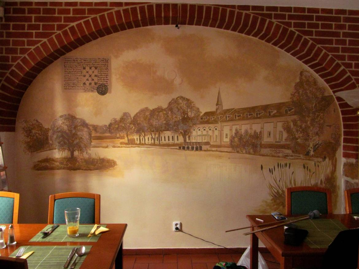 Wall-Painting-Restaurant-of-the-hotel-Prague-01-1.jpg